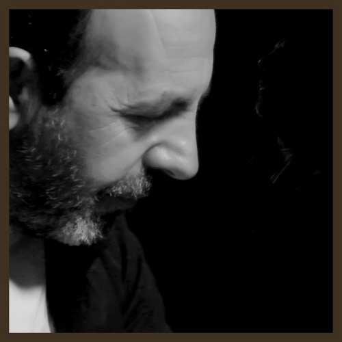 Toprak Kutlay Yeni Elmisin Gülüm (feat. Devrim Kaya) Şarkısını İndir