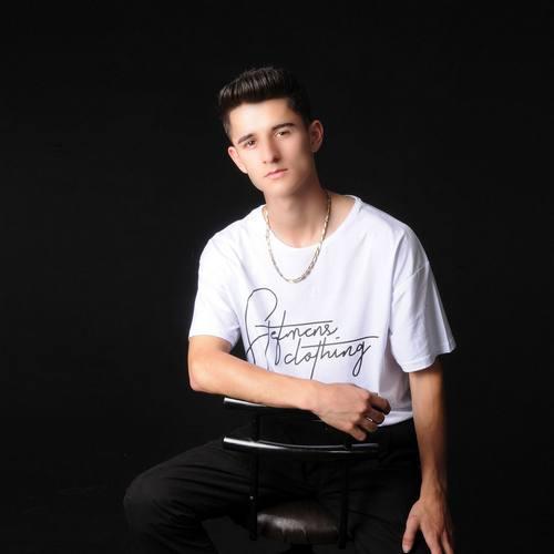 Mustafa Bayram Yeni Yandım Şarkısını İndir