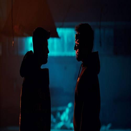 Baha Karaca & Mert Yeni Takılırdı Aklıma Şarkısını İndir