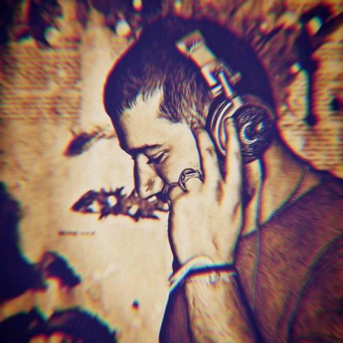 Berk Canevi & Niran Ünsal Yeni Yol Uzun Şarkısını İndir