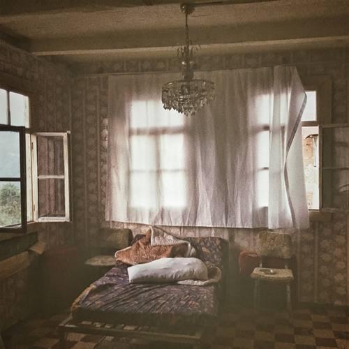 Sansar Salvo & Hidra Yeni Kapı Çaldı Şarkısını İndir
